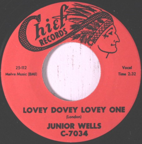 """JUNIOR WELLS """"Lovey Dovey Lovely One / You Sure Look Good To Me"""" 7"""""""